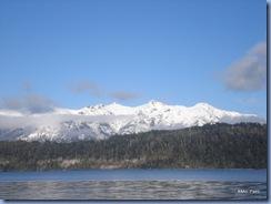 Vista das montanhas a partir de uma das praias do Lago Nahuel Huapi