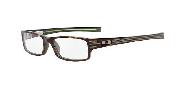 Na foto, óculos de grau da Oakley modelo Shifter lindíssimo