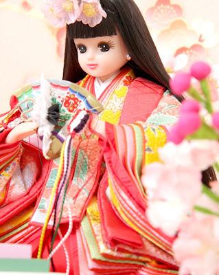 桃の節句にリカちゃん雛人形。人形の久月とタカラトミーがコラボ