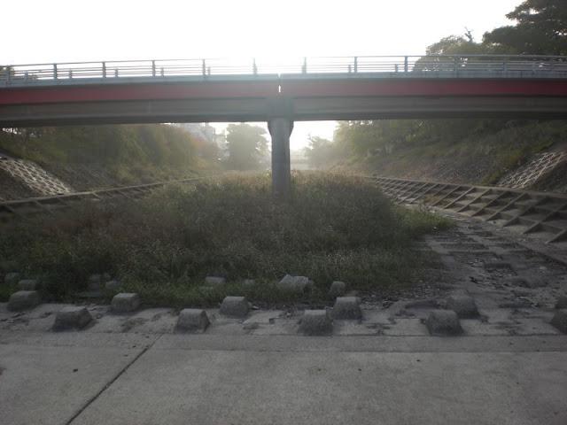 秋めいてきた石手川公園の風景