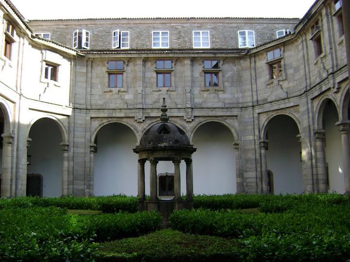 Jardín interior del Parador de Santiago