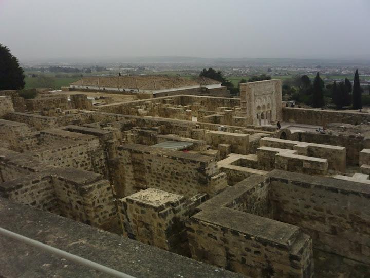 Vista desde arriba de la Ciudad Medina Azahara