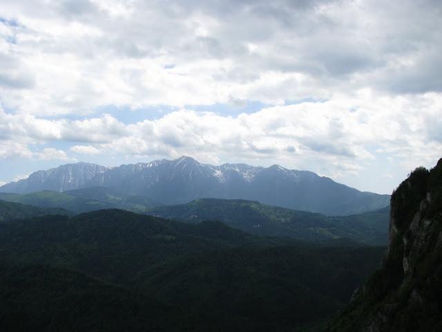 Masivul Bucegi vazut din Muchia Caprioarei