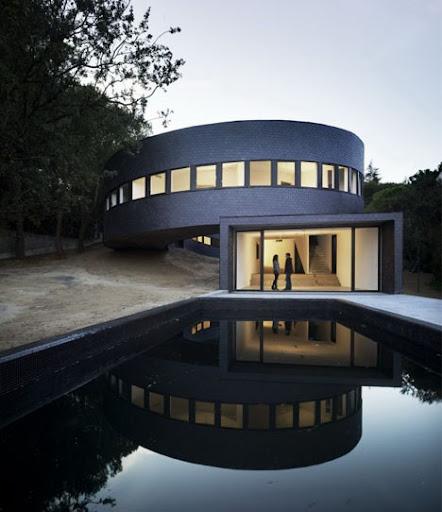 Round Home Design from Subarquitectura