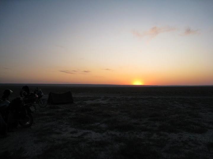 Наш лагерь на фоне заката