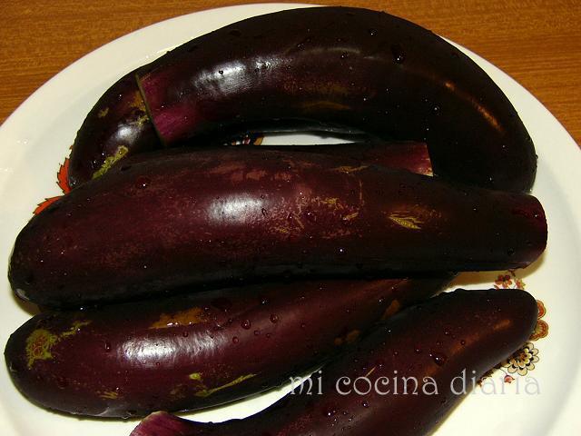 Frittata de berenjenas y harina (Фриттата из баклажан и муки)
