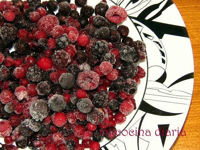 Tarta de coco con frutos del bosque (Кокосовый пирог с ягодами)