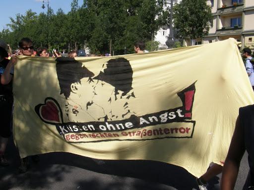 2010, Budapest Pride, buzi, felvonulás, fényképek, gay, képek, lesbians, leszbikusok,  LGBT, meleg, Meleg Méltóság Menete, photos, pictures, tüntetés,   stockphoto