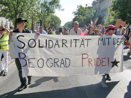 , 2010, Budapest Pride, buzi, felvonulás, fényképek, gay, képek, lesbians, leszbikusok,  LGBT, meleg, Meleg Méltóság Menete, photos, pictures, tüntetés,   stockphoto, parádéSolidarität mit dem Beograd Pride Szolidaritás a nádorfehérvári büszkeséggel, Belgrád, pride