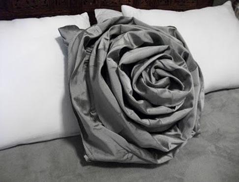 pillow angle