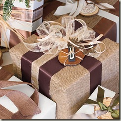burlap-gifts-l