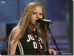 avril-lavigne-1024x768-626 LinkinSoldiers