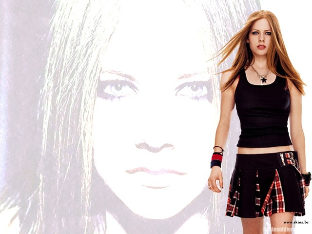 [avril-lavigne-1024x768-665 LinkinSoldiers[2].jpg]