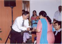 Shri Mahesh Kulkarniji Presents Momento To Sushri Neeta Shah