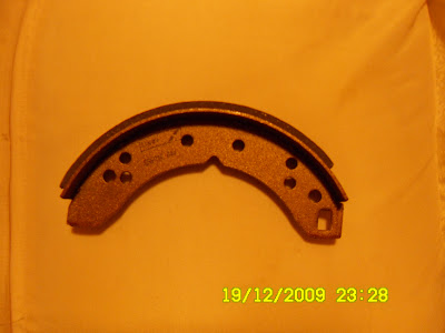REAR BRAKE SHOES SET of 4  for TRIUMPH 1300 from 1970 to 1975 QUINTON HAZELL