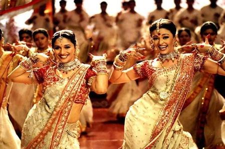 Aishwarya_&_Madhuri_dola_re_dola.24420519_std