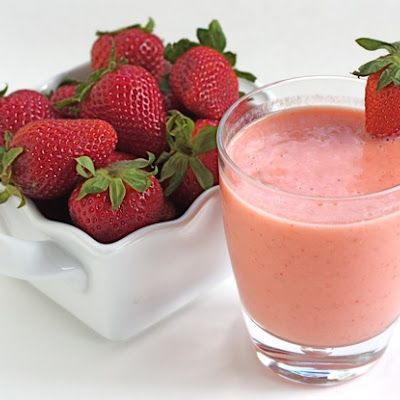 Easy Strawberry Mango Smoothie