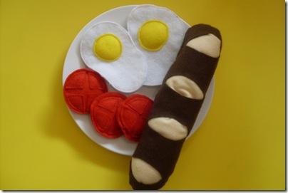 felt eggs and tomato