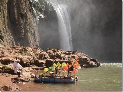 Una zattera alle cascate di Ouzoud