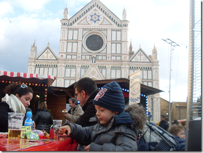 Aj ai mercatini di Natale in Piazza Santa Croce