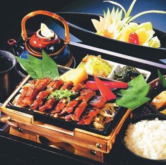台中公益路美食-赤鬼牛排飯