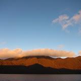 静かな湖歩き。写真UPしました