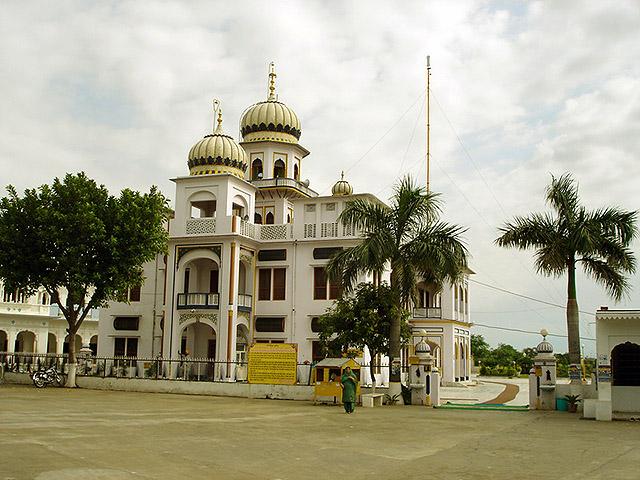 gurdwara sukhchain sahib phagwara