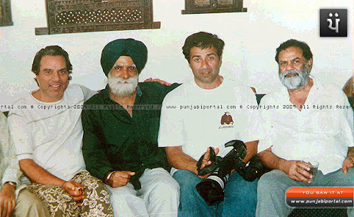 sunny deol with wife pooja. sunny deol with wife. Sunny Deol And His Wife Photo.