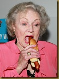BETTY-WHITE-HOT-DOG-2