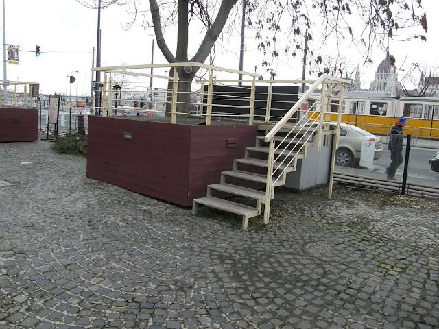 Angelika presszó, Budapest,  kocsma,  blog, I. kerület, 1. kerület, Vár, Batthyány tér, levegő, szellőző, metró