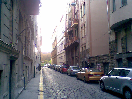 IDEIGLENES AUTONÓM KÖZÖSSÉGI TÉR Kaszinó Temporary Autonomous Space 1072 Budapest, VII. kerület, Nyár utca 29  a Klauzál tér mellett