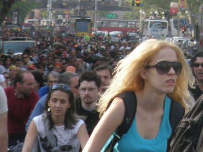 pictures, képek, fotók, Budapest blog, CM, Critical Mass, 2010, bringás demonstráció, tüntetés,  Kritikus Tömeg,  Föld Napja, bringás sunák, biciklis felvonulás