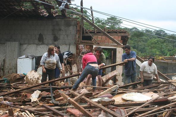 CHUVA/RIO/NOVA FRIBURGO