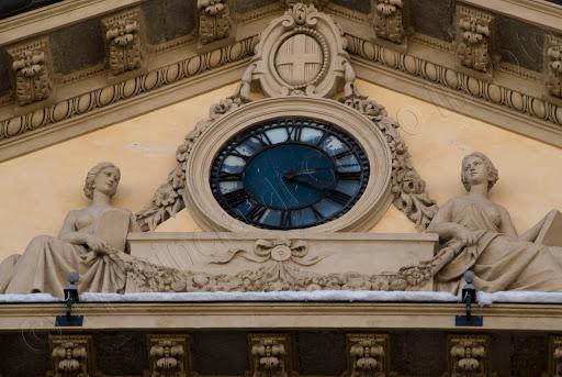 Foto orologio Palazzo della Prefettura Cuneo