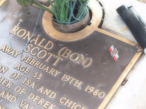 bon scott grave @ freo