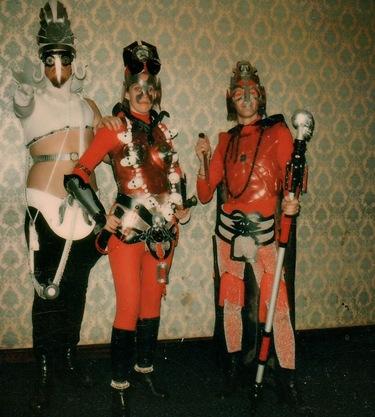costume_1975