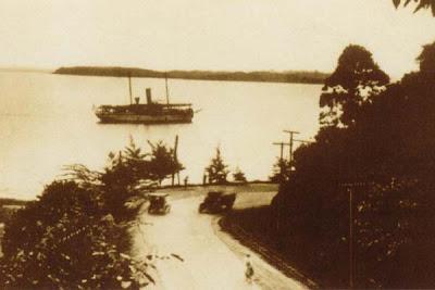 Menuju Pelabuhan Semayang; 1926.jpg