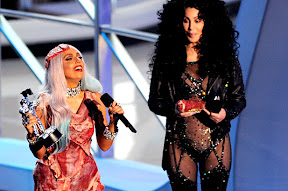 lady-gaga-meat-dress-photos-and-outfits-pictures-at-vma-2010-mtv-video-music-awards