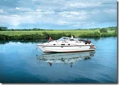 Choice of Cruiser Boats and Houseboats