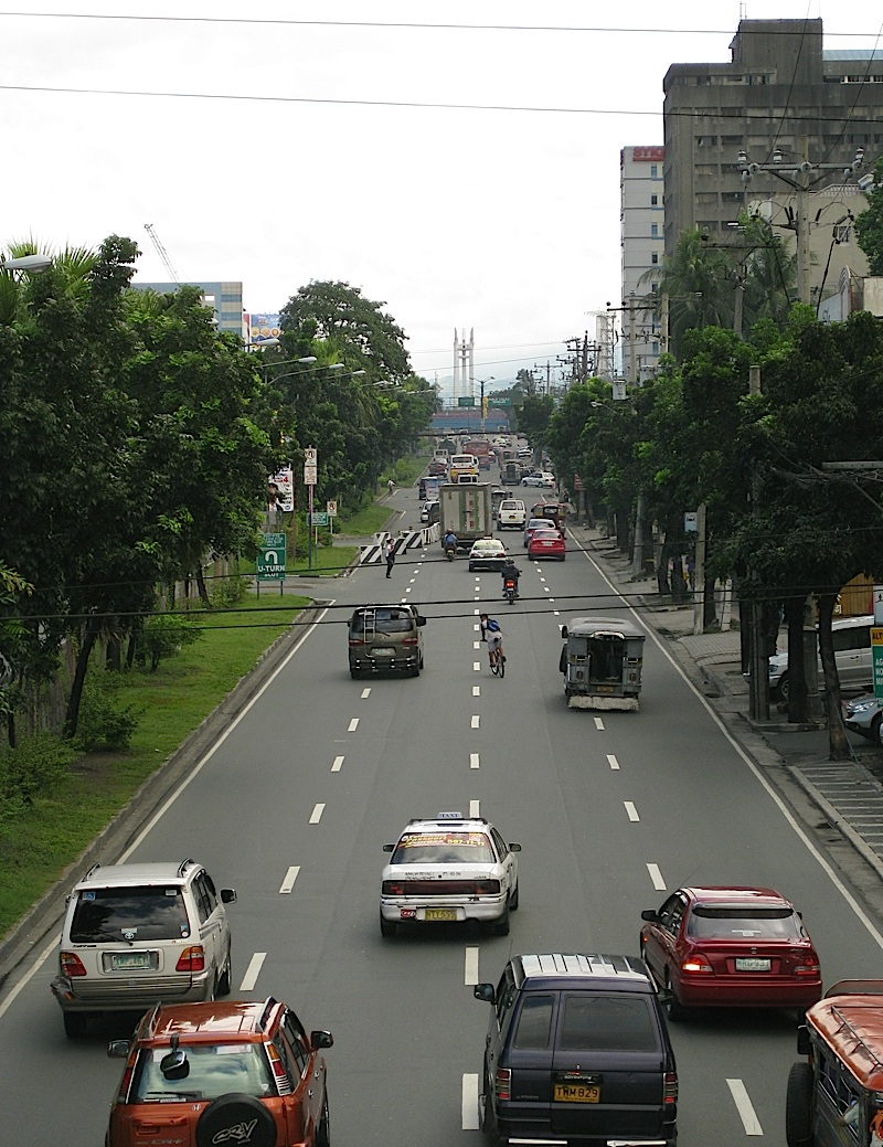 Quezon Avenue on a Sunday afternoon