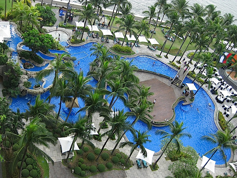 lagoon-shaped swimming pool of Sofitel Manila