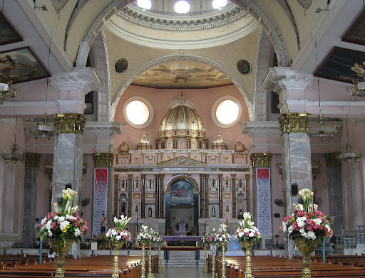 interior of the Binondo Church