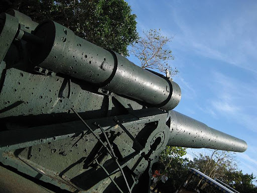 seacoast gun in Battery Hearn in Corregidor Island