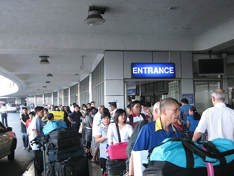 entrance to the departures area of the Ninoy Aquino International Airport