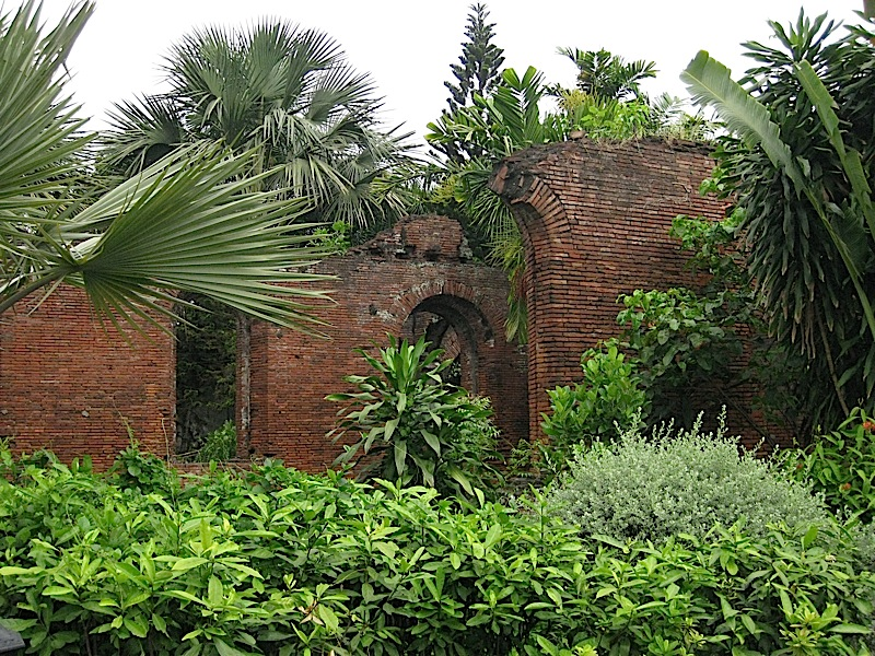 ruins of old Spanish barracks in Fort Santiago