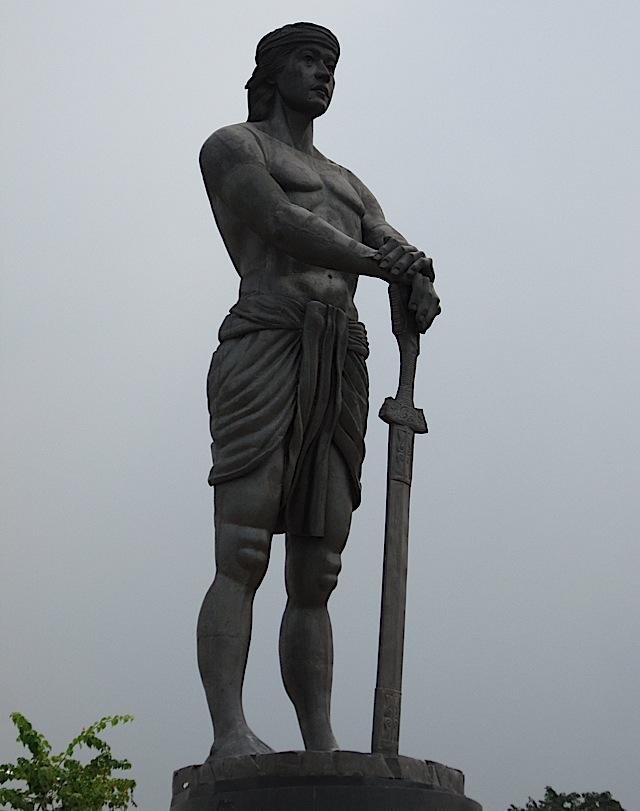statue of Lapu-Lapu at the Rizal Park