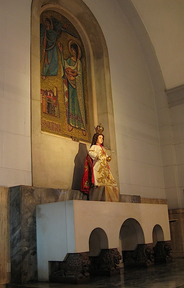 image of the Santo Niño in the Manila Cathedral