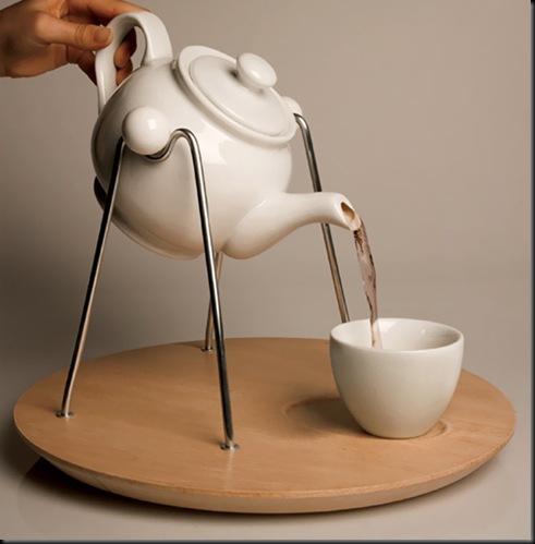 Teapot-Frame-by-Betina-Piqueras