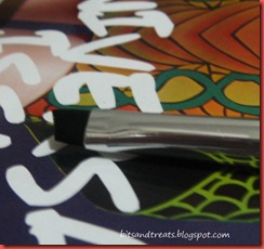 marionnaud slanted brush close up, by bitsandtreats