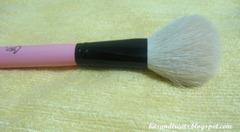charm powder brush, by bitsandtreats